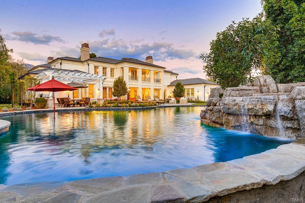Contemporary Orange County Luxury Homes